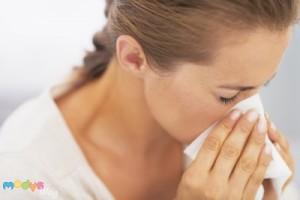 Schnupfen durch Allergie - Tipps für besseren Schlaf